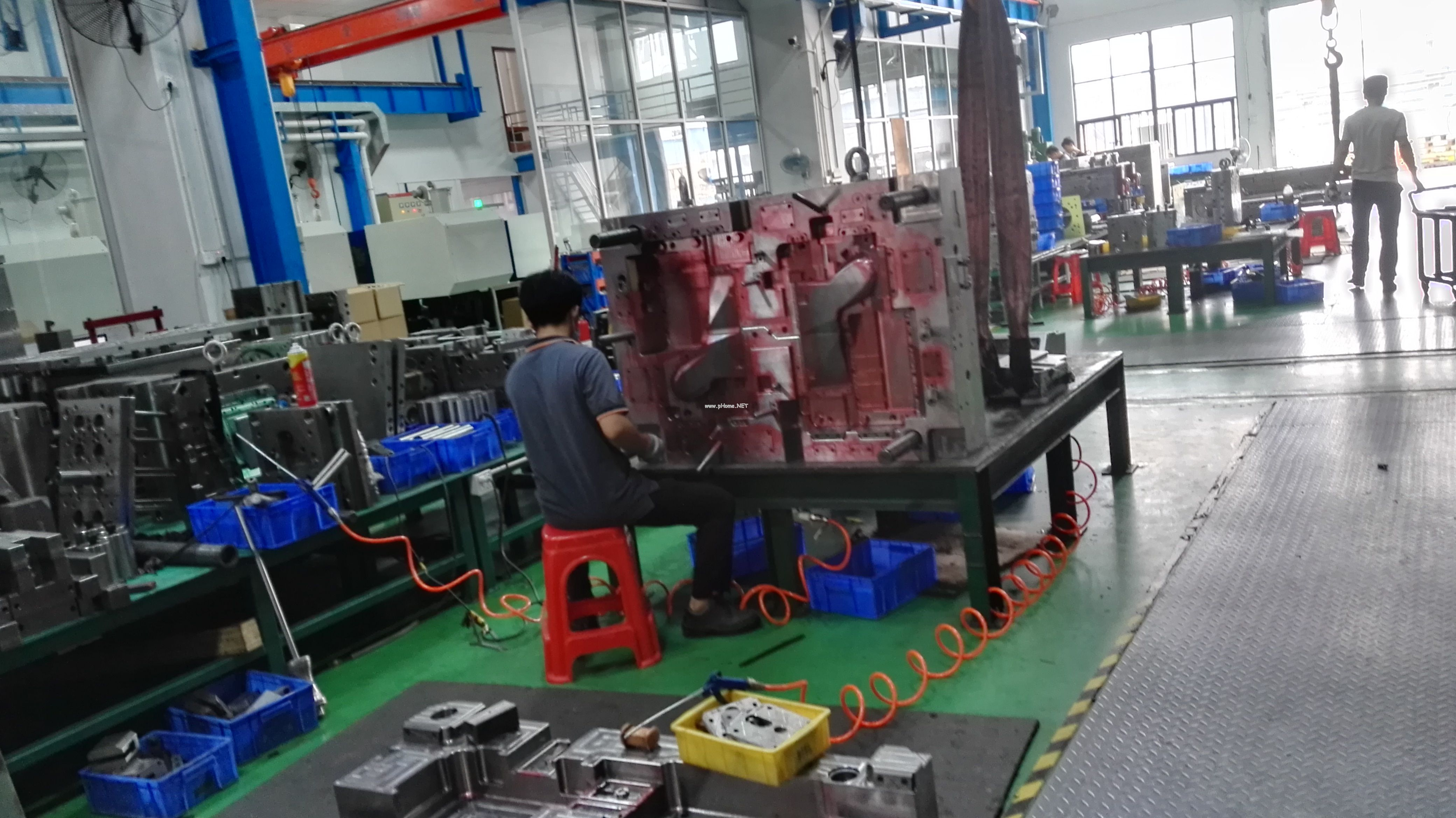 Several considerations for processing plastic molding